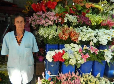 Donizetti trabalhou a vida toda vendendo flores no cemitério
