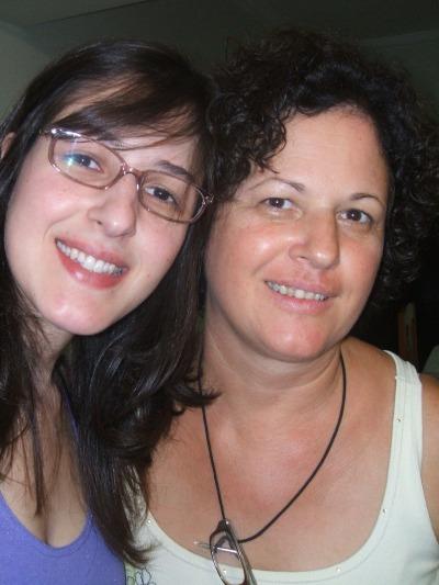 Eu e minha mãe, no meu aniversário de 2011