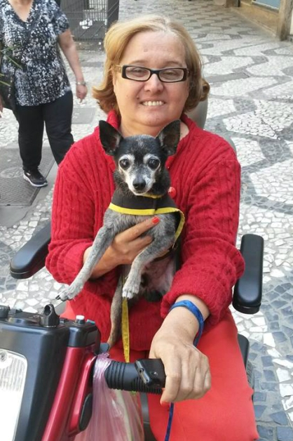 'Não é porque estou numa cadeira de rodas que não sou feliz'