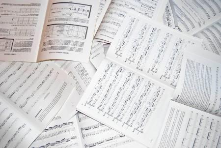 Aprender música exige paciência e persistência, além de curtir a jornada. Foto: Takis Kolokotronis/Freeimages.com